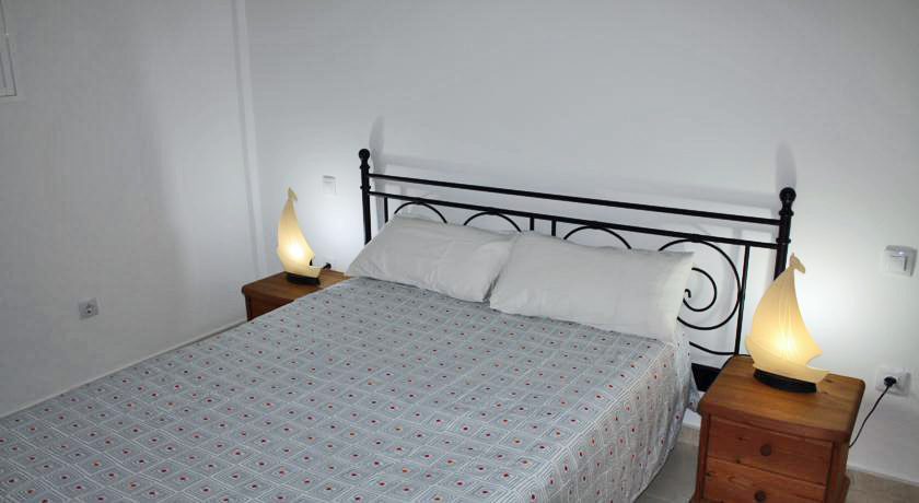 Schlafzimmer rechtes Apartment in Orzola